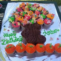 Fall Cupcake Cake I made this for my nieces 6th birthday. Cupcakes are pumpkin chocolate chip, they were super yummy! Frosting is butter cream except the...