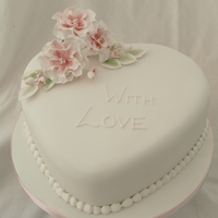 Vintage Flower Heart Cake lightly dusted Flowerpaste open roses