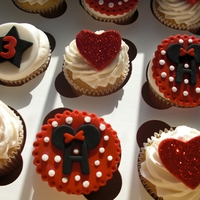 Minnie/mickey Cupcakes And Cake