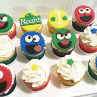 Sesame Street Inspired Cupcakes For My Baby Cousin Noahs 1St Birthday Design Inspiredcopied From Httpsugareduptopperscom Sesame Street inspired cupcakes for my baby cousin Noah's 1st birthday. Design inspired/copied from http://sugareduptoppers.com