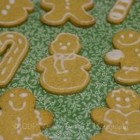 Gingerbread Men This icing is just confectioners sugar mixed with water lol I'm going to attempt them again this Christmas with Royal Icing this time...