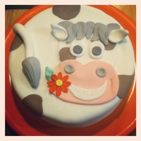 Happy Cow Cake I copied the design from 3majsiemaja from Cake Central, so credit goes to her!! All fondant :)