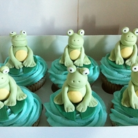 Frogs On Cupcakes Loved making these little frogs sitting on their lilly pads