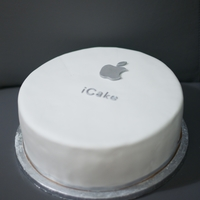 Icake Apple computers themed cake, covered in fondant