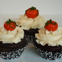 Pumpkin Patch Chocolate cupcakes with vanilla toffee buttercream, fondant pumpkins.