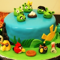 Inigo's Angry Birds chocolate cake, covered in fondant. all angry birds are toppers are fondant. Thanks for looking ^_^