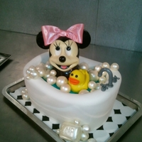 Bady Mini Mouse Cake! l loved making this cake, she came out so cute. ; )