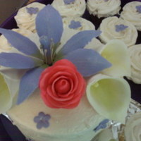 "Small 6"" Round Wedding Cake And Cupcakes   Gumpaste flowers"