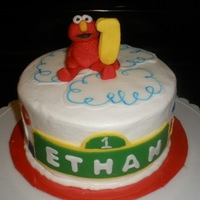 Elmo BUTTERCREAM WITH FONDANT ACCENTS