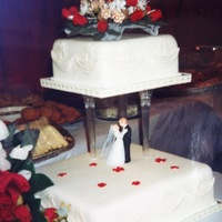 My Sisters Wedding Cake everything was handmade and edible