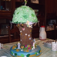 Tinkerbell Treecake I made this cake with my daughter to celebrate the 6th birthday od my granddaughter Ana Mikaela