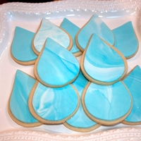 Water Drop Cookie NFSC covered in fondant