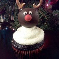 Cupcakes Topped With Christmas Cake Pops