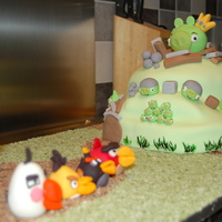 Angry Birds Birthday Cake Angry birds hill with slingshot and all the birds waiting