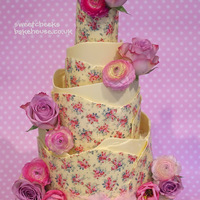 A New Design For 2013 Vintage Is Still The Rage For This Years Weddings Bit Wanted To Do Something With White Chocolate So Here It Is I H A new design for 2013. Vintage is still the rage for this years weddings bit wanted to do something with white chocolate so here it is, i...