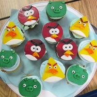 Angry Bird Cake And Cup Cake