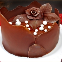 Chocolate Collar Cake Chocolate collar cake and chocolate plastique modeled rose, fondant pearls