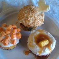 Turkey Dinner Cupcakes Turkey is cornflakes on lemon cupcakes, carrots/yams are Starburst, butter also Starburst, gravy is carmel! My nephew was horrified when he...