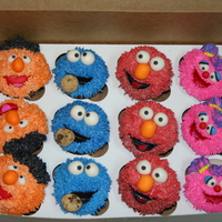 Sesame Street Cupcakes The mouths on these cupcakes were a bit of a learning experience, but I think I figured them out by the end. Mouths, eyes and noses were...