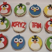 Angry Birds Cupcakes first time to make this angry birds cuppies and i'm quite pleased x