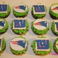 Superbowl 2012 Cupcakes Giants vs Patriots - which cupcake will you eat?