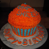 Giant Cupcake Fresh Orange flavoured Giant Cupcake with Fresh Orange flavoured BC Icing