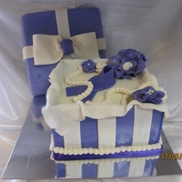 Gift Box   8 inch square cake with buttercream filling