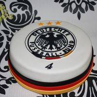 Go Germany ...! Today is the next game on soccer for the german team...so go germany...supporting cake !Thanky for looking :)