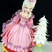 Marie Antoinette Cake I am very happy that I had the opportunity to make my own Marie Antoinette out of sugar.
