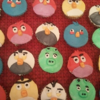 Angry Birds Cupcakes these cupcakes were done for a 4yr old birthday party. I used marshmellow fondant for all the characters.