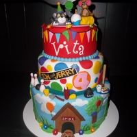 Vitas Tom And Jerry Cake Vita loves Tom and Jerry so we had to make a cake for her 4th birthday.