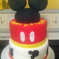 Mickey Mouse Cake   This was for my aunt who loves mickey mouse! :)