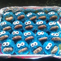Cookie Monster   These are some cupcakes I made for my daughters class at school for her 7th birthday.