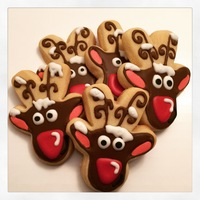Snowy Reindeer! Snow covered reindeer sugar cookies