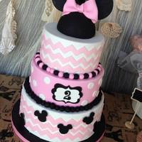 Chevron Minnie Mouse Cake For Vintage Minnie Party Chevron Minnie Mouse cake for Vintage Minnie party!