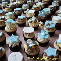 Bumble Bee Baby Shower Cupcakes For Boy   http://thecakinggirl.blogspot.ca/ - bumble bee themed baby shower cupcakes for boy!