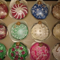 Holiday Ornament Cup Cakes