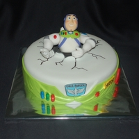 And The Final Product I Uploaded Buzz Yesterday Before Making The Cake A Buzz Lightyear Cake Totally Buzz And the final product (I uploaded buzz yesterday before making the cake)... a Buzz Lightyear cake, totally buzz!