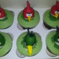Angry Bird Cupcakes Requested to match the birthday cake - please see cake and other cupcakes that make the 'set'.