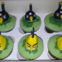 Angry Bird Cupcakes Requested to match Angry Bird birthday cake - see separate photo and other different angry bird cupcakes
