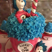 Cat In The Hat Cake And Cupcakes   Dr. Seuss themed cupcake/cake and cupcakes