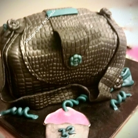 Alligator Bag This cake has an alligator skin appearance.