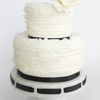 Fondant Frills Version 2 of my cake for Maggie Austin's Craftsy class