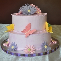 Butterfly Daisy Cake Buttercream with fondant butterflies and daisies