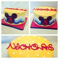 Chic Mickey buttercream mickey cake