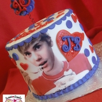 Justin Bieber!! My 3rd Justin Bieber cake...he's a popular guy with the young ladies:) This is my favorite, since he seems to be having some cake too...