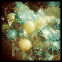 Blue Baby Shower Cake Pops Cake Pops for a boy baby shower.