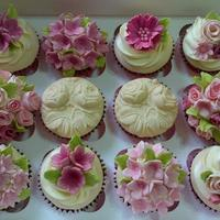 Pink Posies Zesty lemon cuppies with a vintage floral design made for a birthday surprise.