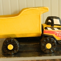 Tonka Truck This was my 2nd 3D cake. Man they are hard!