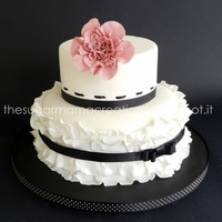 Black And White Cake Inspired to Zoe Clark design